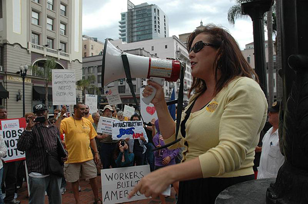 """Projeto de lei quer punição mais dura para advogados envolvidos em """"esquemas"""" de imigração"""