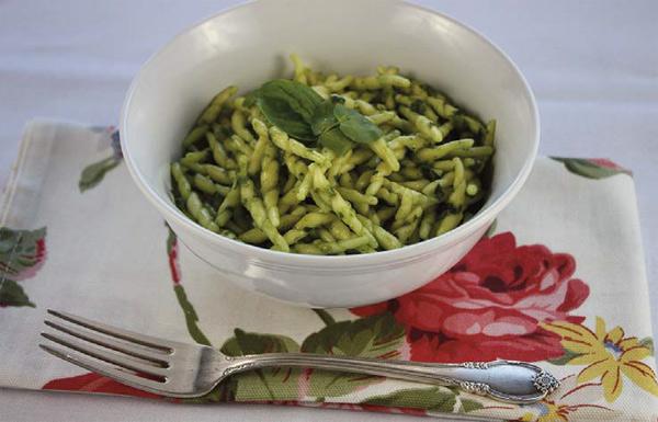Trofie al Pesto de majericão e agrião