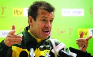 dunga 300x184 Dunga está de volta à seleção brasileira quatro anos após demissão