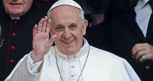 """Jornal afirma que """"fontes israelenses acreditam que o papa Francisco, o máximo expoente da religião cristã, está na mira do EI"""""""