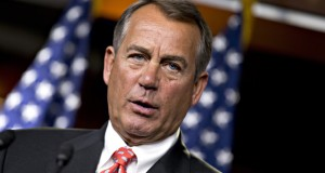 """""""O nosso sistema legal é falho, nossas fronteiras não são seguras e nós temos o problema daqueles que estão aqui sem os documentos"""", disse John Boehner"""