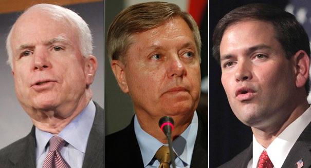 """McCain, Graham e Rubio eram membros da chamada """"Gangue dos Oito"""" que trabalhou durante vários meses na redação de um projeto de lei que parou no Congresso"""