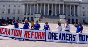 """Quase 600 mil jovens imigrantes foram beneficiados com """"Deferred Action for Childhood Arrivals"""" (DACA)"""