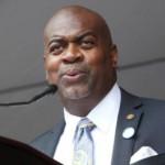 """""""Nós buscamos formas de tornar o nosso Departamento de Polícia mais eficiente, mais capacitado para atender as necessidades de nossos residentes"""", disse o Prefeito Ras Baraka"""