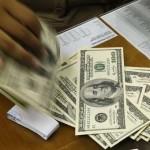 O dólar avançou 0,28%, a R$ 2,46 na venda