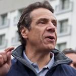 """O Governador Andrew M. Cuomo considera Nova York """"o portão para imigrantes de todo o mundo"""""""