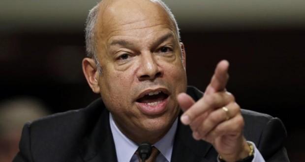 O secretário do DHS, Jeh Johnson, detalhou os passos a serem tomados para diminuir o atraso na emissão de green cards e vistos para profissionais altamente qualificados