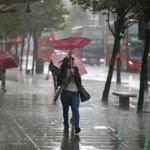 Os especialistas previram que a chuva também poderá cair no domingo (21)