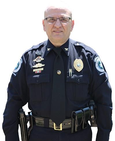 """A paixão pela carreira policial surgiu quando o carioca Marcos Bomfim atuou como """"policial voluntário"""" na Carolina do Norte, que o permitia acompanhar as ações dos detetives"""