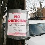 Os moradores são notificados, através de avisos fixados nos postes públicos de iluminação, quando as obras começarão em determinada área. Detalhe: Cartaz na esquina das ruas Hennessy e Chestnut, no Ironbound