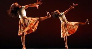 Há 38 anos, a companhia DanceBrazil tem apresentado empolgantes apresentações para o público na Europa, Ásia e EUA