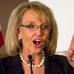 As autoridades estaduais estão analisando se apelarão judicialmente a decisão de Campbell sobre o caso Arizona Dream Act Coalition x (Jan) Brewer (12cv2546)