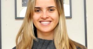 Clara Caetano, chegada há 1 mês do Brasil, teve a bolsa e notebook roubado por uma dupla de mulheres, na esquina das ruas Ferry e Prospect, nas imediações da Penn Station