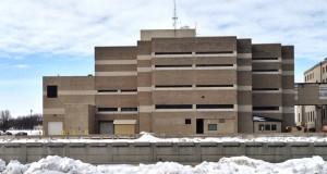 O pastor está detido na Penitenciária do Condado de Linn (detalhe), em Cedar Rapids, Iowa, e ainda não há data marcada para a sua deportação