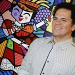 Romero Britto possui contratos de licença com inúmeras corporações e outras entidades, incluindo Coca-Cola, Mattel e a FIFA
