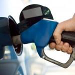 O departamento federal de informações de energia previu semana passada que o preço da gasolina será US$ 1 mais barato o galão em todo o país que o último verão