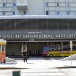 As prisões de visitantes estrangeiros por não declararem dinheiro ou objetos de valor em sua bagagem são relativamente frequentes no Aeroporto Internacional de Miami