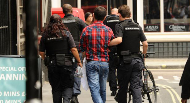 Proposta na Inglaterra prevê 6 meses de prisão para trabalhadores indocumentados