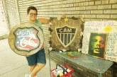 Artesã capixaba leva a paixão pelo futebol e o Reggae às ruas do Ironbound