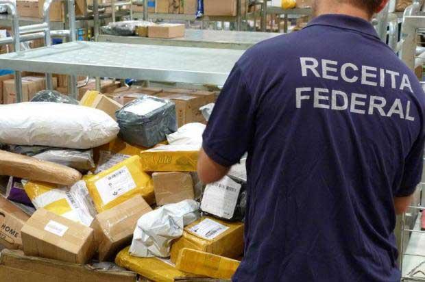 Foto12 Receita Federal Brasil quer tributar presentes do exteriorabaixo de$50
