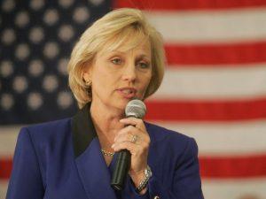 """Perguntada novamente porque ela não votará em Trump, a governadora interina disparou que """"a minha declaração já responde isso"""" (Foto: App.com)"""