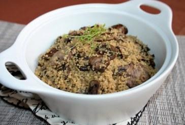 Quinoa com alho e cogumelo