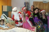 Grupo de brasileiros leva alegria a hospitais, asilos e ruas em NJ