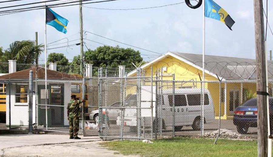Foto15 Centro de Detencoes Carmichael Road Brasileiros têm acesso a prostitutas e drogas em prisão nas Bahamas
