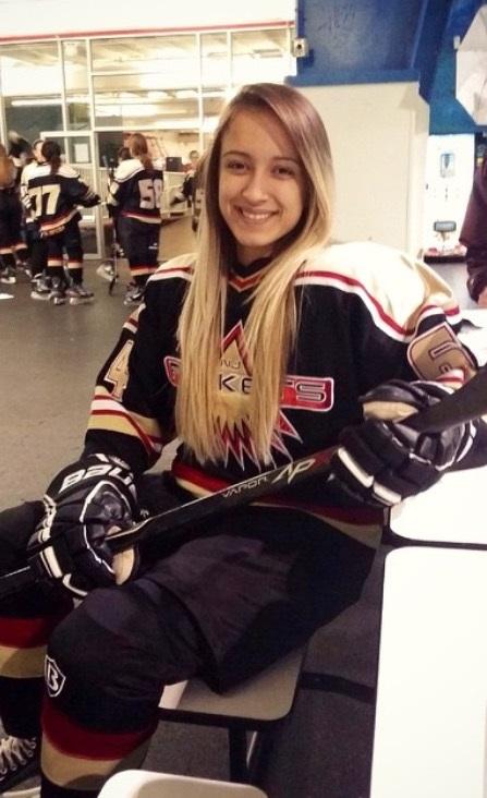 image22 Filha de brasileira é destaque no Hockey sobre gelo em New Jersey
