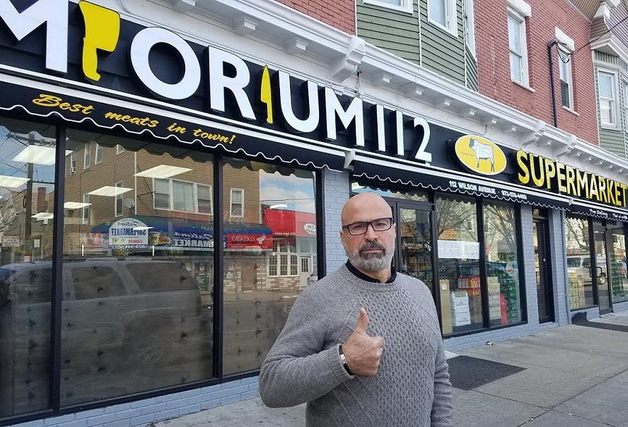 """Foto7 Supermercado Emporium 112 Comércio brasileiro participa do protesto """"Um Dia Sem Imigrante"""", em Newark"""