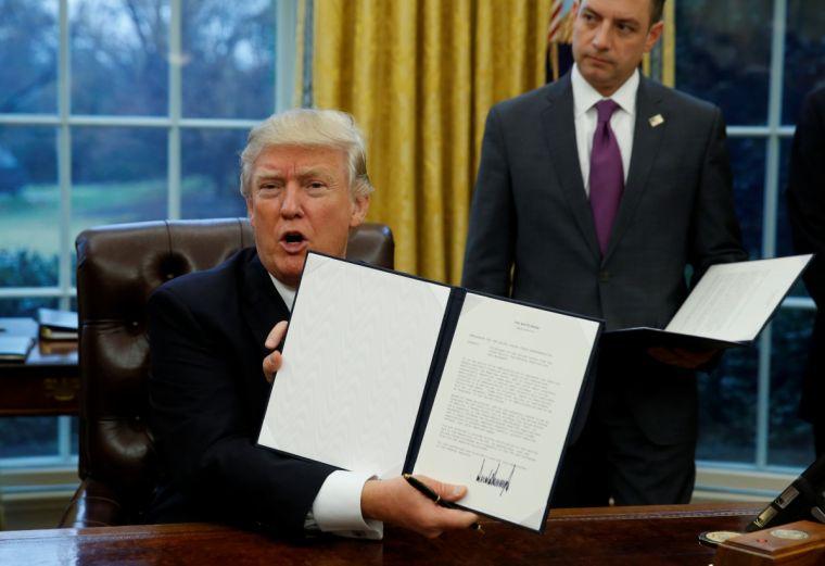 wp 1485989097810 Decreto de Trump dificulta emissão de vistos para brasileiros