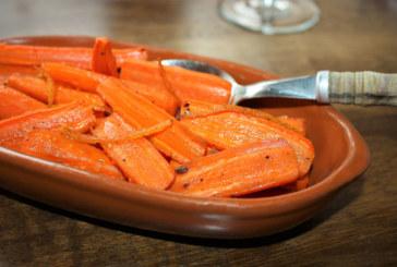 Cenoura assada com casca de laranja