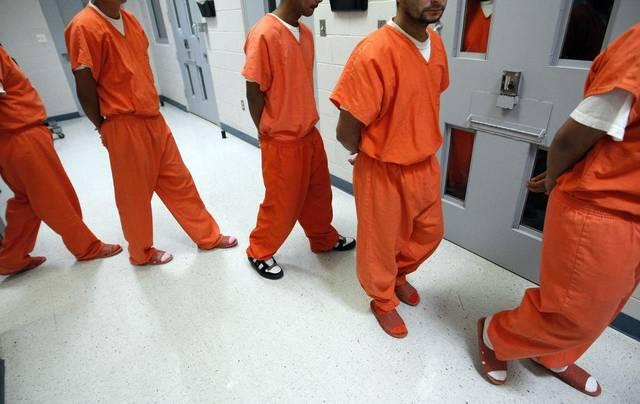 """Foto16 Imigrantes detidos Juízes serão enviados a 12 cidades para """"acelerar"""" deportações"""