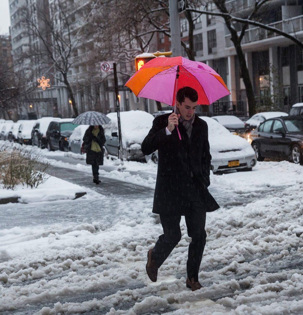 Foto18 Dia com neve 984x1024 Nevasca de terça (14) pode acumular um pé de neve