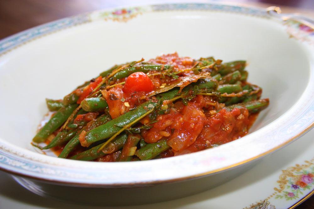 Vagem com tomate e anchova Vagem com alho, tomate e anchovas
