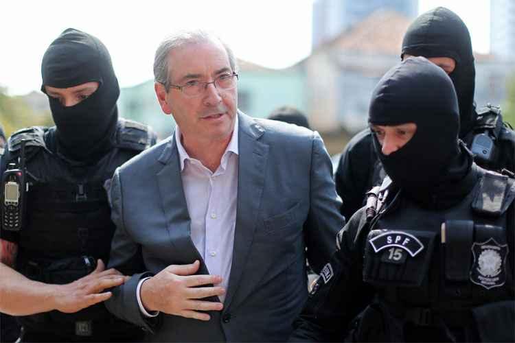 cunha preso Cunha é condenado a mais de 15 anos de prisão