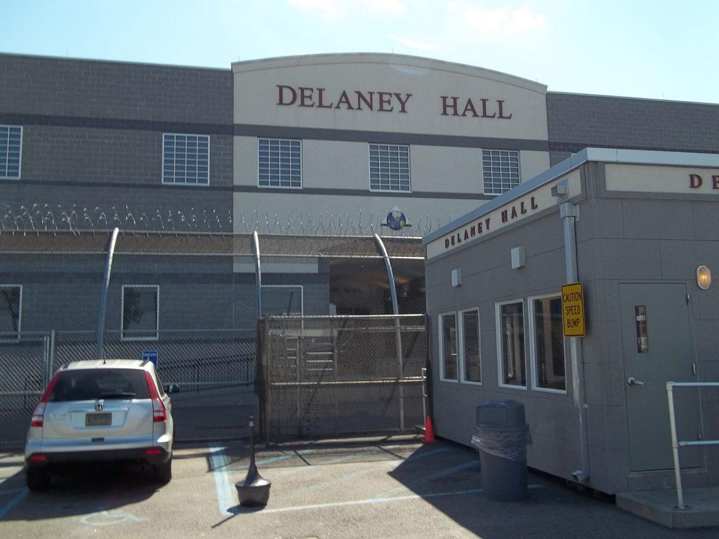 Foto15 Delaney Hall 1024x768 Falta de presos causam a demissão em penitenciária de NJ