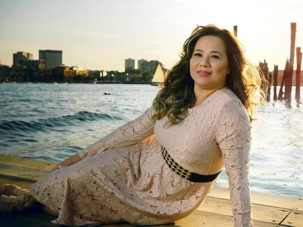 """Foto2 Raquel Cilene Raquel Cilene lança CD """"Águas do Trono"""" em Newark"""