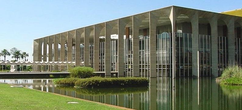 Foto27 Palacio do Itamaraty Consulado do Brasil lança guia para indocumentados
