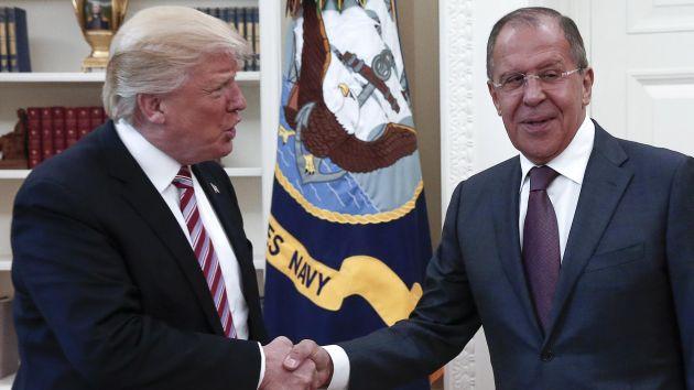 trump e lavrov Casa Branca descarta que Trump tenha exposto segurança em diálogo com russos