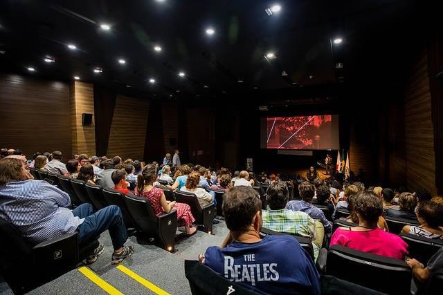 Destina movie theatres
