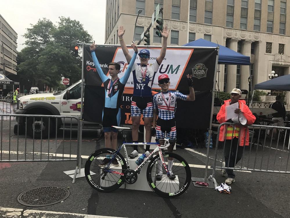 Foto25 Gabriel Tonini  Brasileiro Gabriel Tonini vence 3 competições de ciclismo em NY