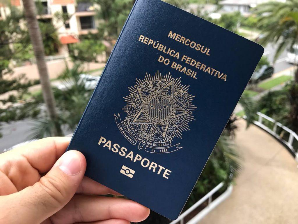 Foto3 Passaporte brasileiro  1024x768 PF suspende emissão de passaportes novos no Brasil