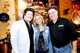 Foto3 Paulo Ricardo Valeria Trjano e Luciano 274x183 Home page