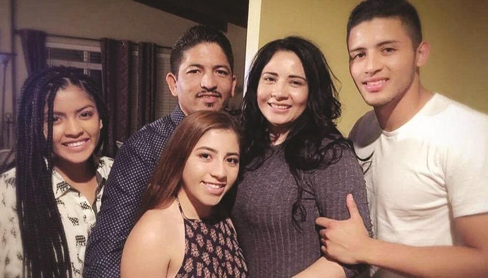 Foto19 Jorge Ramirez e familia Pastor evangélico apoiador de Trump pode ser deportado