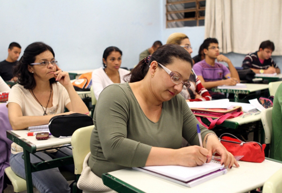 Foto4 Supletivo 2017 LBV oferece aos imigrantes curso gratuito para o supletivo