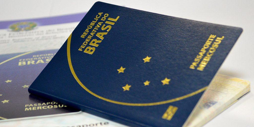 passaporte brasileiro 1024x512 Governo prevê verba para regularizar emissão de passaportes