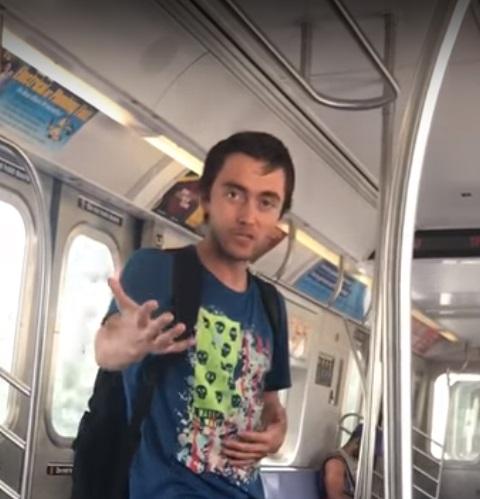 """Foto17 Passageiro racista """"Saia da p..ra do meu país!"""" Gritou homem para mulher no metrô"""