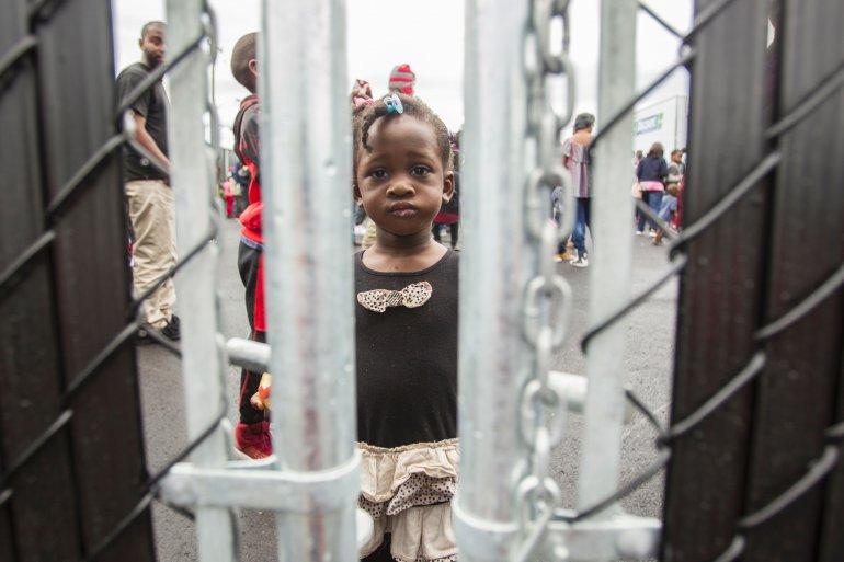 Foto8 Refugiados haitianos Canadá arma tendas na fronteira para receber refugiados
