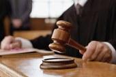 Brasileiro é condenado a mais de 20 anos por estuprar a filha